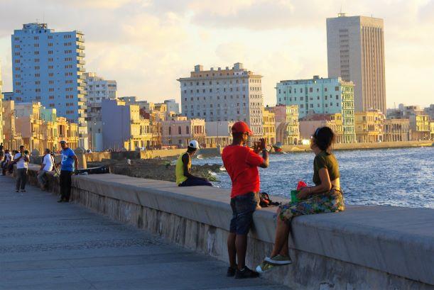 Kuba, Hawana, relaks naMalecon, fot.Piotr Orechwo